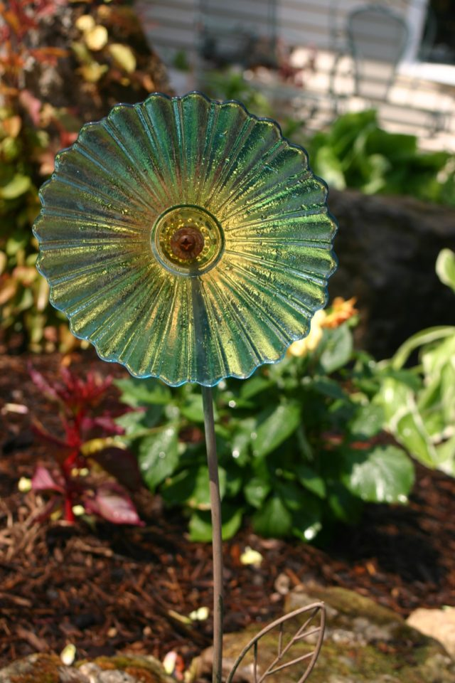 Recycled Plate Garden Flowers