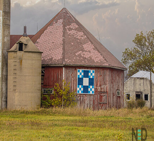 Octagon Barn - My octagon barn photography print captures one of America's vanishing symbols from the late 1880's and early 1900's..