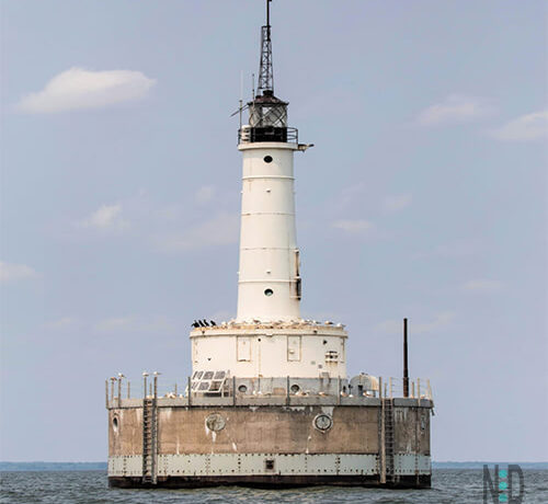 VIDEO Green Bay Wisconsin Harbor Lighthouse Sounding Off